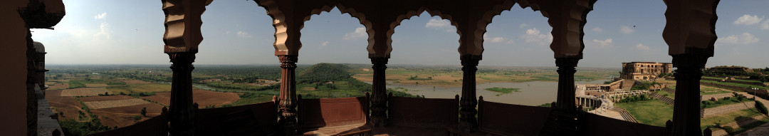 Rural Rajasthan from Tijara Fort-Palace 58K jpeg