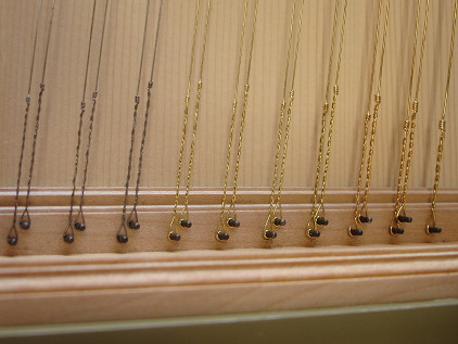 Harpsichord string types 36K jpeg