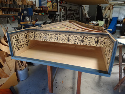 Scotch College harpsichord: Case painting complete & case papered 53K jpeg