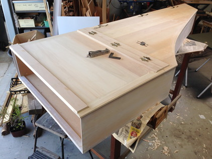 Scotch College harpsichord: Lid attached and casework complete 43K jpeg