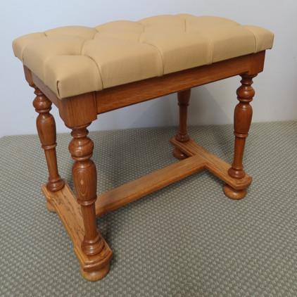 Scotch College harpsichord: Finished stool 52K jpeg