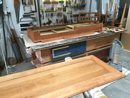 Gerlach clavichord cabinetwork oiled 56K jpeg